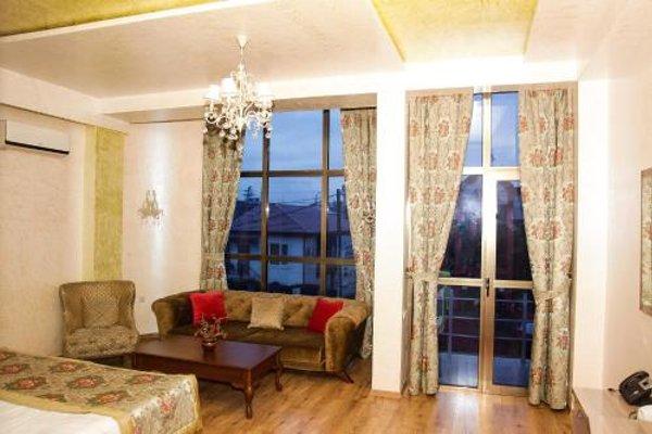 Iberia Palace Hotel - фото 4