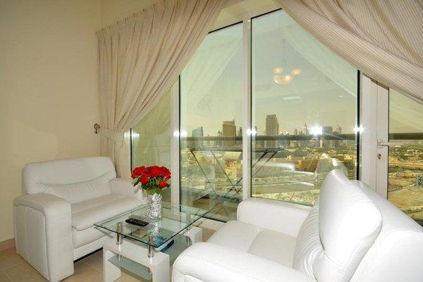 Wider View Downtown Burj Al Nujoom - 14