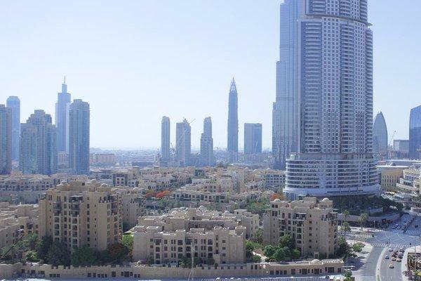 Wider View Downtown Burj Al Nujoom - 16