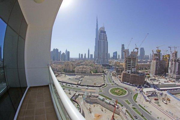 Wider View Downtown Burj Al Nujoom - 22