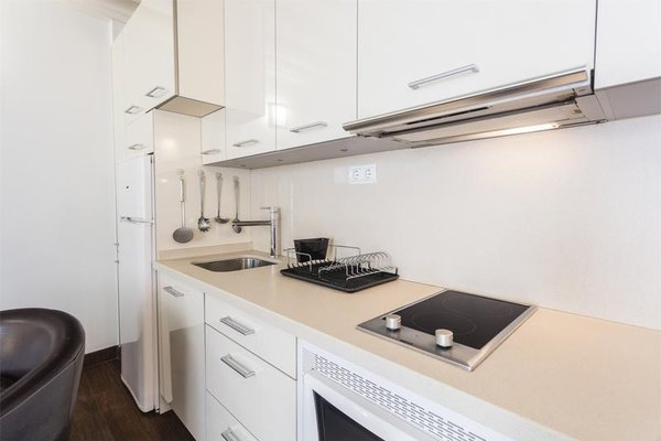 Laurel Suites Apartments - фото 12
