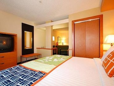 Апартаменты Fairfield Inn & Suites by Marriott Greenwood