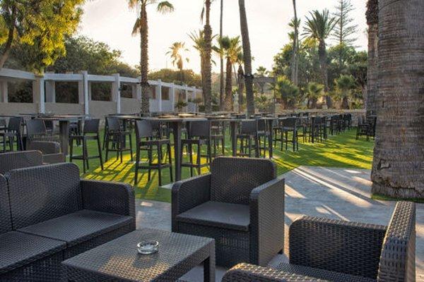 Beach Garden Hotel - 13