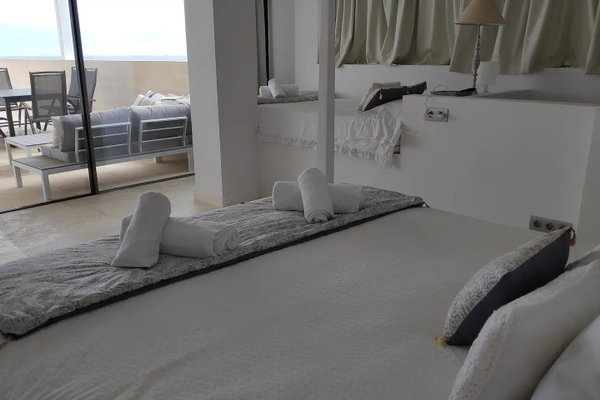 Beachfront Es Turo - 4