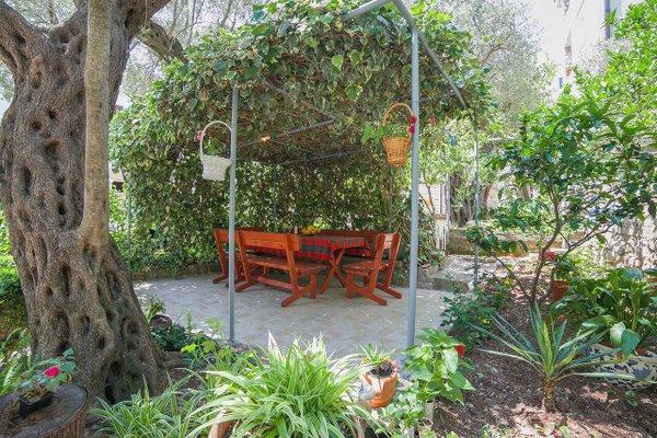 Rooms Garden - фото 17
