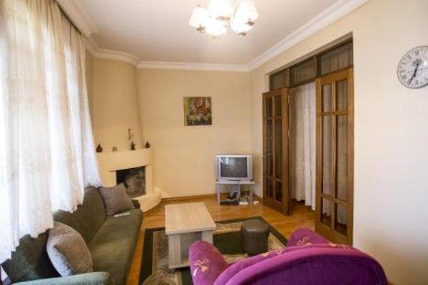Demetre Apartment - фото 9