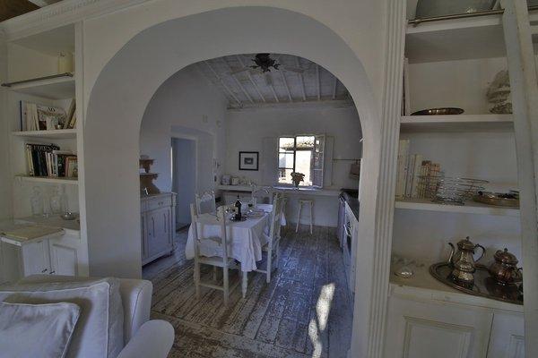White Home Halldis Apartment - 4