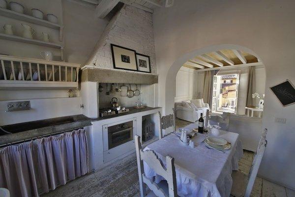 White Home Halldis Apartment - 6