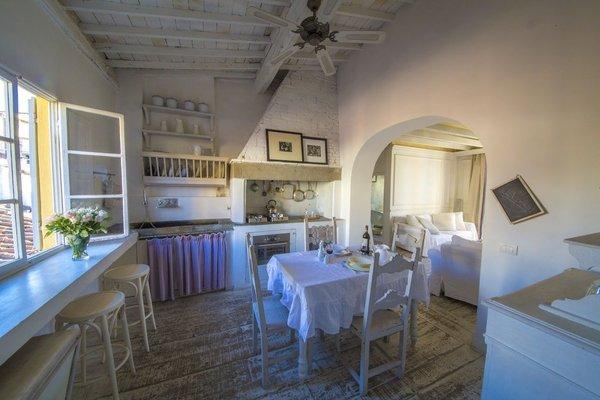 White Home Halldis Apartment - 7