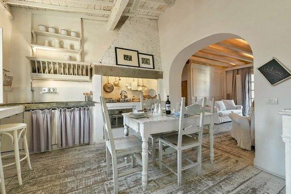 White Home Halldis Apartment - 8