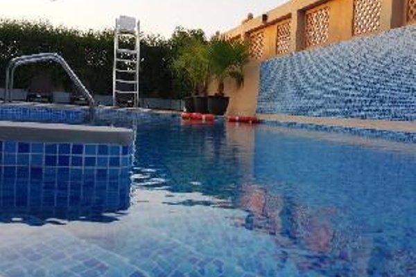 Al Buraq Hotel - фото 20