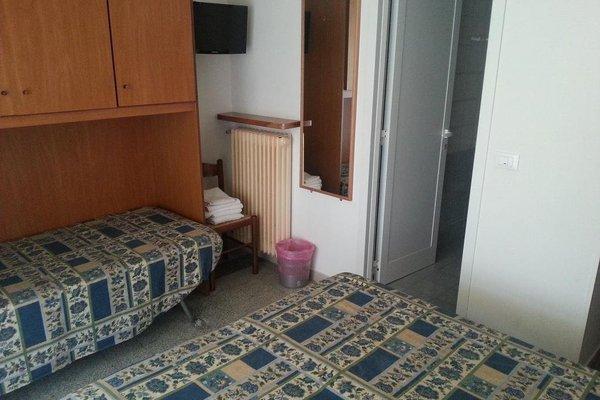 Hotel Margot - 11
