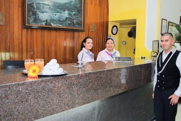 Best Western Hotel Ceballos - 15