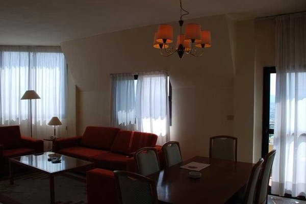 Chateau Linza Hotel - 3