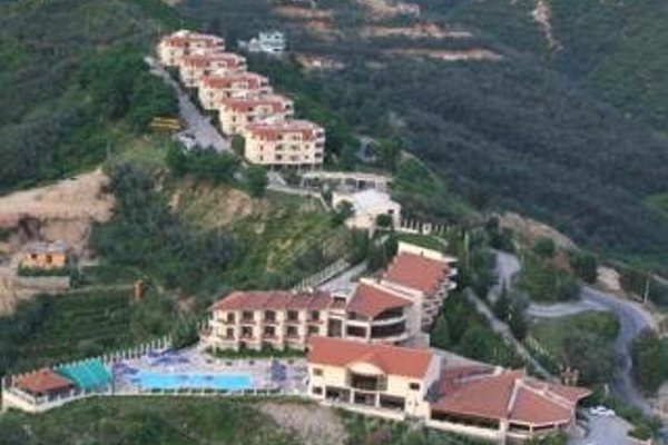 Chateau Linza Hotel - 7