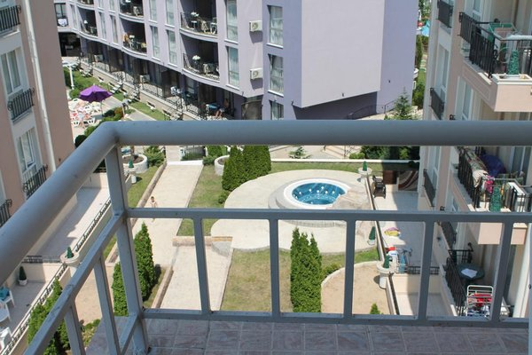 Aqua Blue Apartments - фото 22