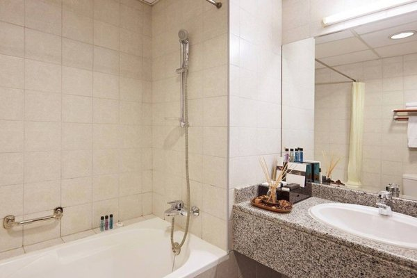 ZiQoo Hotel Apartments Dubai - 12