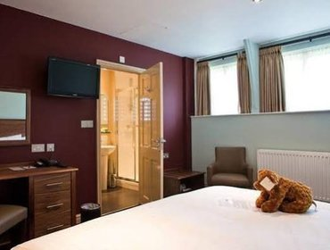 Гестхаус The Dog & Doublet Inn