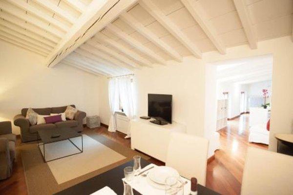 Balcony Mazzini Apartments - 11