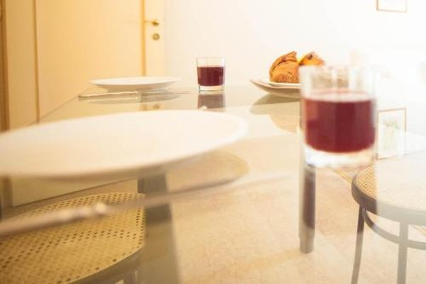 Balcony Mazzini Apartments - 18