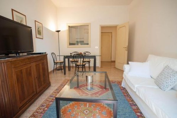 Balcony Mazzini Apartments - 20