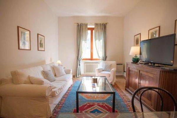 Balcony Mazzini Apartments - 22