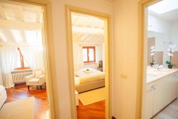Balcony Mazzini Apartments - 7
