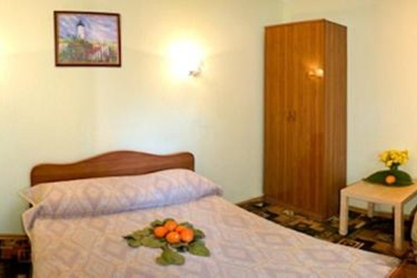 RusAmra Guest House - 5