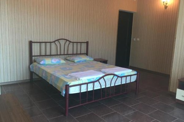 Guest House on prospect Ardzinba 257 - photo 4