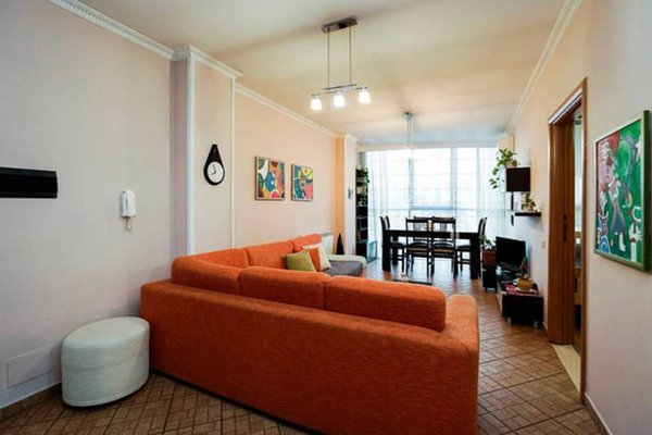 Central Comfy Apartment - 3