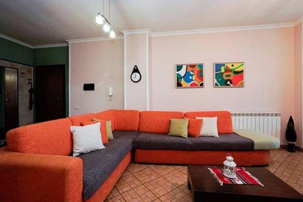 Central Comfy Apartment - 4