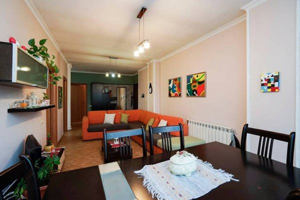 Central Comfy Apartment - 5