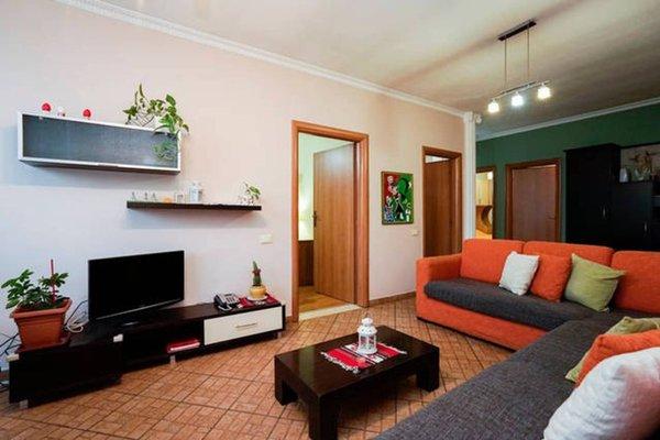 Central Comfy Apartment - 6