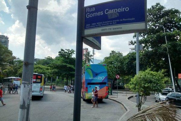 Gomes Carneiro Apartments - фото 11