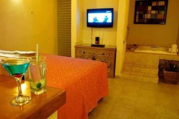 Flamingos Auto Hotel - фото 9