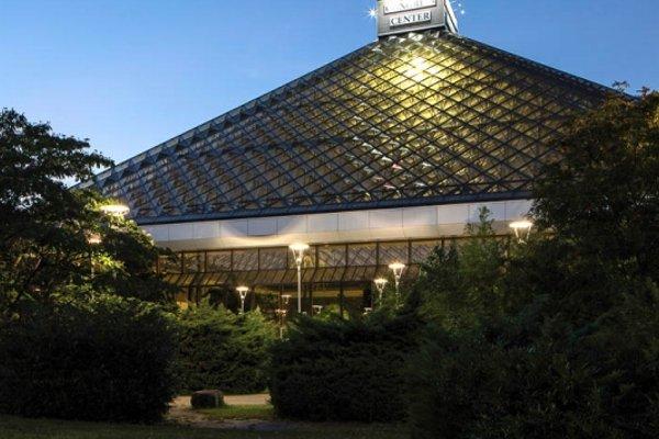 Austria Trend Eventhotel Pyramide - фото 23