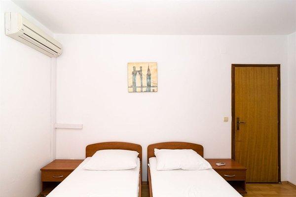 Burum Accommodation - 14