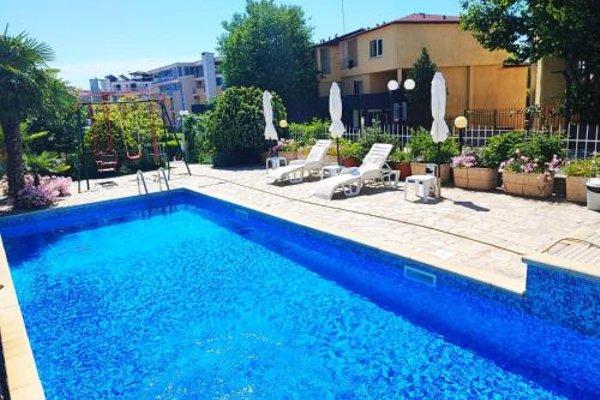 Dom-El Real Apartments in Sea View Complex - фото 20