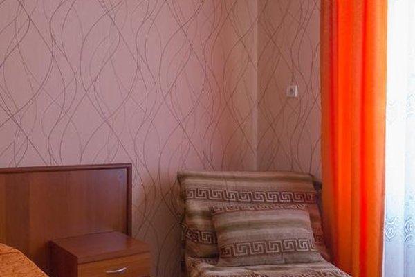 Renaissance Guesthouse - фото 3