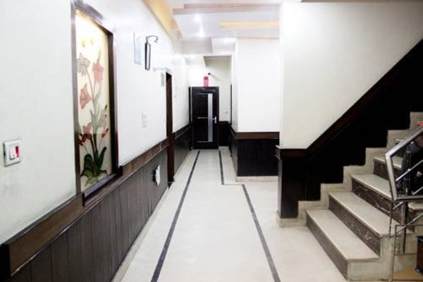 OYO Rooms Paschim Vihar D Mall - фото 17