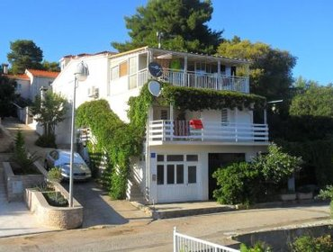 Guesthouse Holiday Home Brna 11038