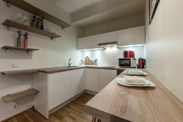 Goodson & Red Veerenni Apartments - 7