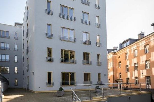 Goodson & Red Veerenni Apartments - 8