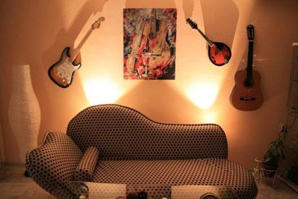 Vintage Apartment - 18
