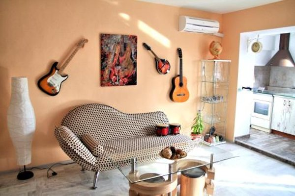 Vintage Apartment - 4