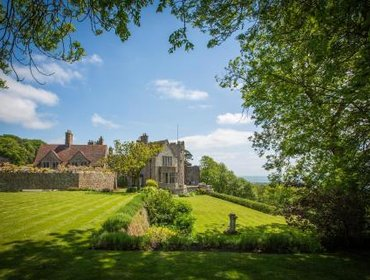 Гестхаус Lympne Castle Cottages