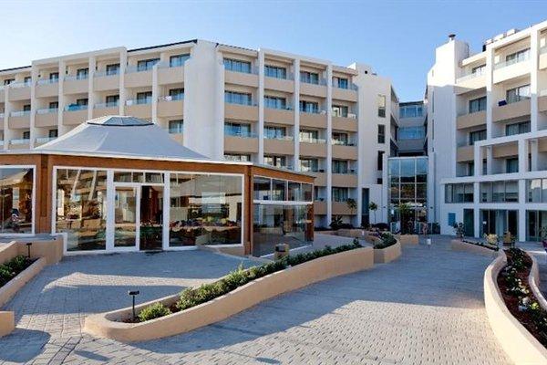 db Seabank Resort + Spa - фото 23