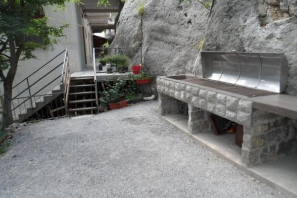 Pataki Guesthouse - фото 12