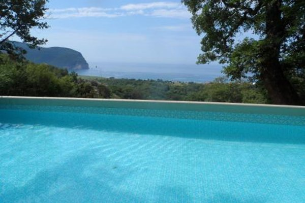 Pataki Guesthouse - фото 9