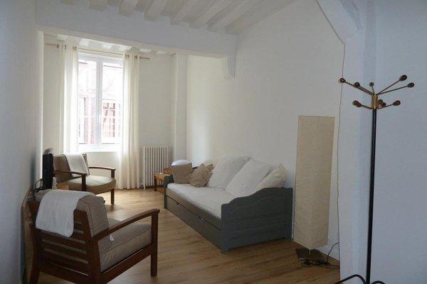 Une Chambre Dans L'atelier De R - фото 10